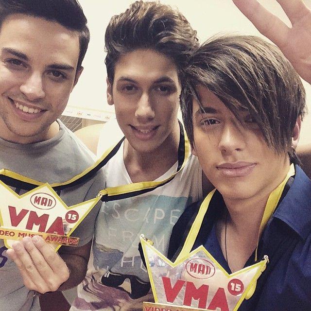 2 Awards<3 #OurLoveIsForever #Noisers #boysandnoise #madvma15 <3<3<3