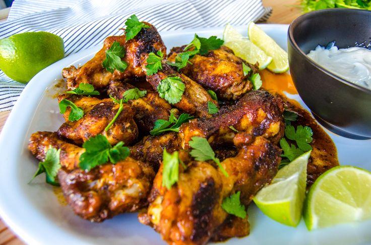 Hoy os dejo con esta receta típica americana que habréis visto en muchos restaurantes como Foster's Hollywood o TGI Friday's. BBQ Chicken Wings.