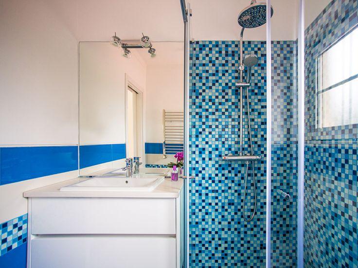 Blue Bathroom - Acqua - Boys Bathroom idea, Casa de banho azul, Photo by Mariana Pedroso