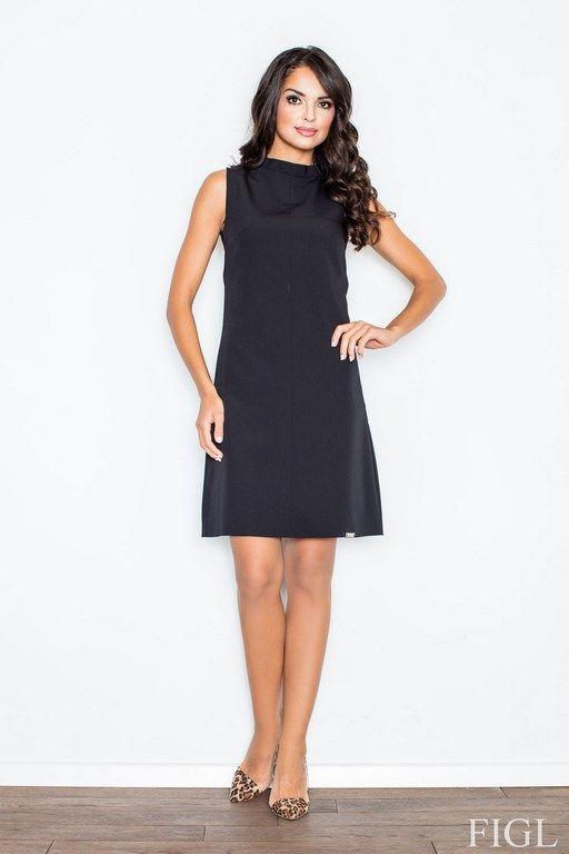Czarna sukienka z delikatną stójką