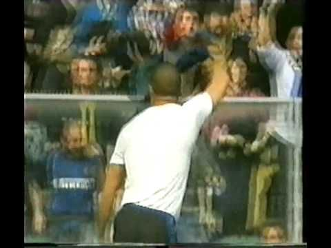 Chievo v Inter 2002, Ronaldo gets one of his easiest ever goals thanks to a Lupatelli howler...