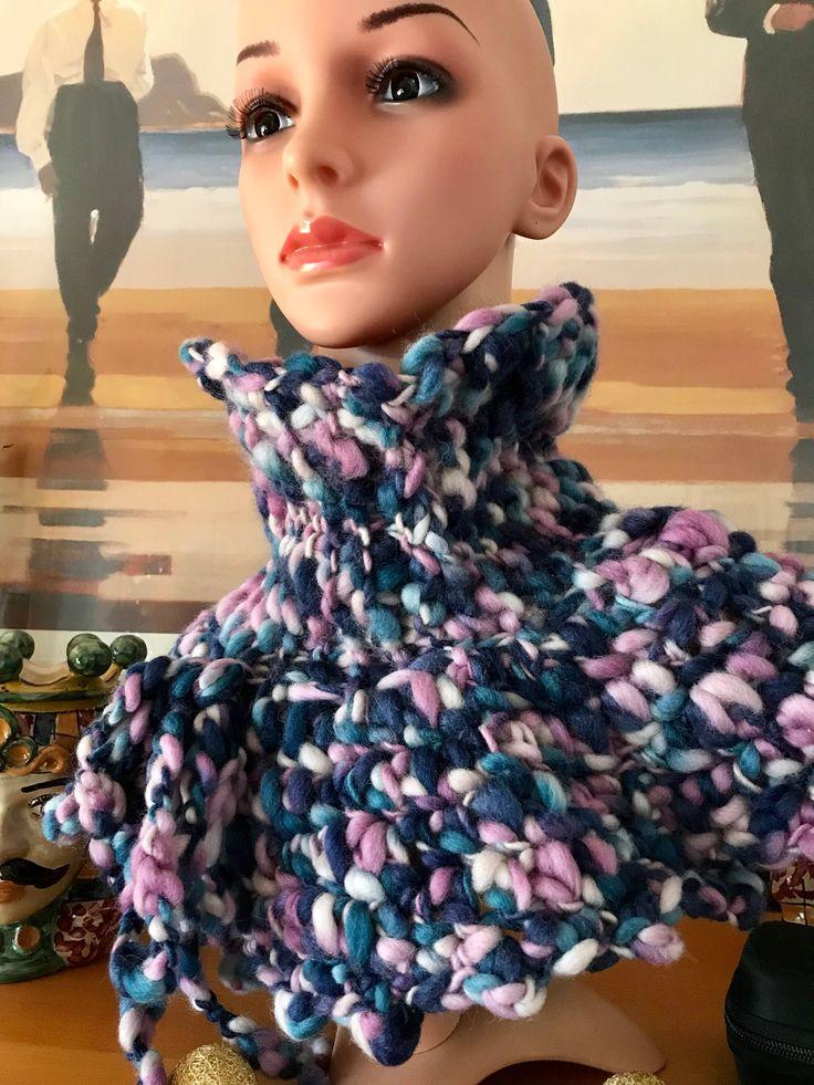 """Sono felice di condividere l'ultimo arrivato nel mio negozio #etsy: Scalda collo """"Romantica"""" http://etsy.me/2DfQdyD #accessori #scialli #festa #crochet #uncinetto #regalo #lana #wool #handmade"""