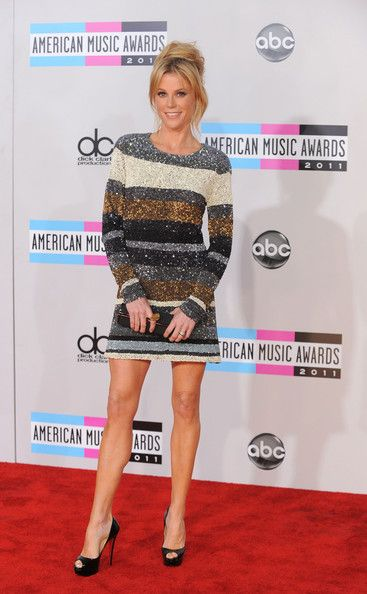 stripes + glitter | julie bowen