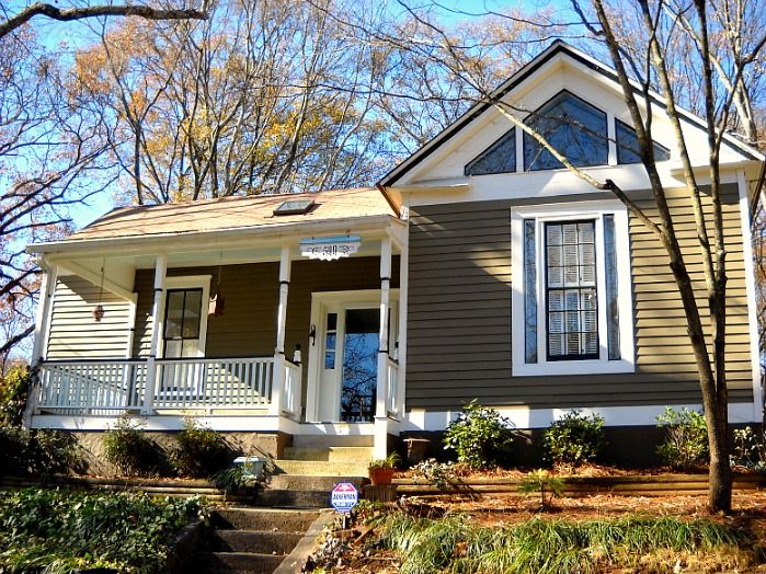 One Of Our Favorite Nest Atlanta Listings In Historic Grant Park Built The This Home Is Considered A Victorian Bungalow