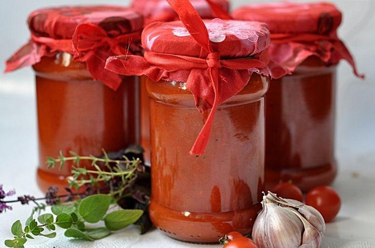 29 przepisów na przetwory z pomidorów | Jest Pięknie