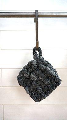 DIY éponge Tawashi, alternative à l'éponge traditionnelle Luizzati | blog zéro déchet, minimalisme & voyages