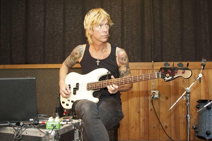 Дафф МакКаган записал песню с Иззи Стредлином - http://rockcult.ru/duff-mckagan-made-song-with-izzy-stradlin/