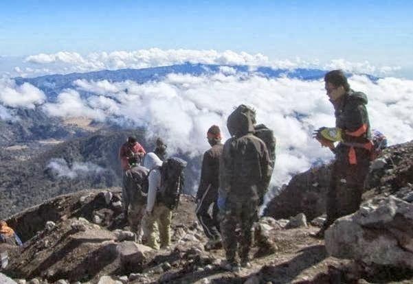 Gunung Semeru Mahameru Puncak Tertinggi di Jawa | Berita Terkini dan Terupdate,Olahraga,Teknologi,dan Info Wisata Indonesia