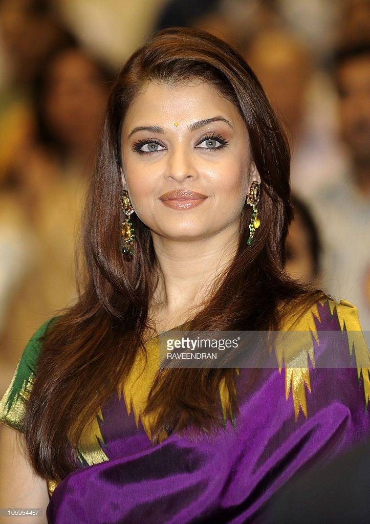 Indian actress and former Miss World Aishwarya Rai Bachchan poses as she attends the 57th National Film Awards Function in New Delhi on October 22, 2010. Indian President Prathiba Singh Patil presented the awards for best feature film, best actors and best director of national cinema.