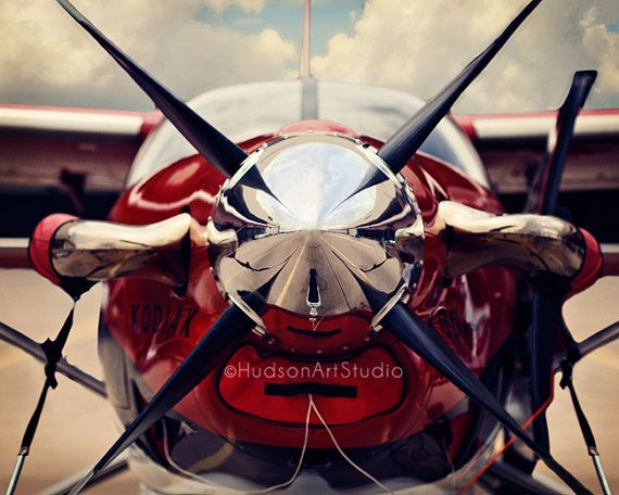 Real life airplane photography. This is beautiful.