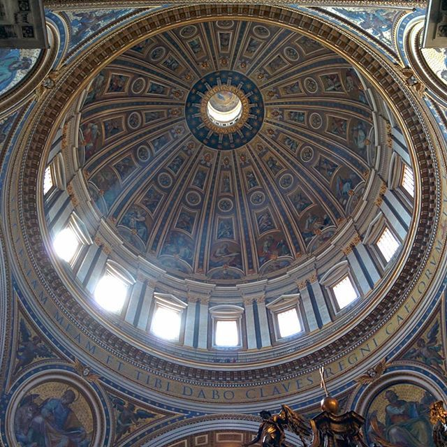 #nofilter #luce #rome #roma #sanpietro #cappella #chiesa #church #tb #2014 #gita #arte #art #enjointyourself #august #agosto #summer #summerbreeze #estate #time #life #vaticano #cittadelvaticano #remains #ricordi by edocana