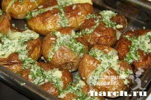 Молодой картофель с сыром, зеленью и чесноком, headline featured vtorye blyuda iz ovoshhej i gribov vtorye blyuda