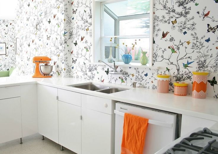 I Love The Patterned Walls And All White In Her Kitchen ES