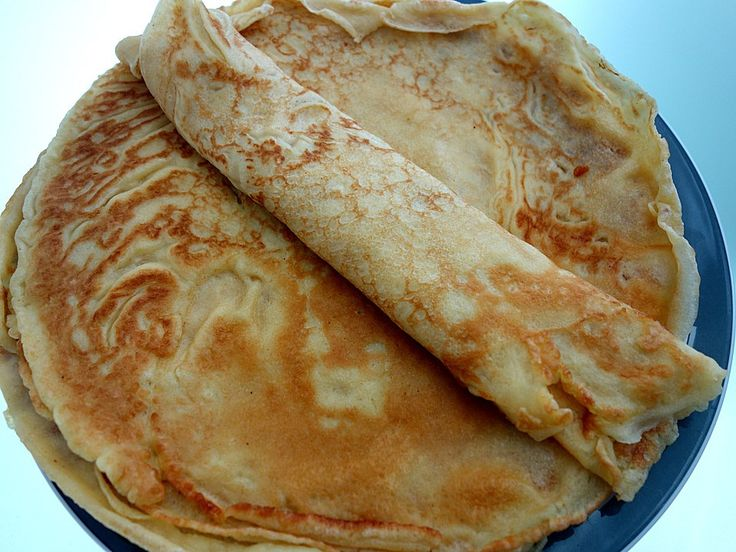 Easy German Pancakes Recipe- pancakes re very popular in Germany. Enjoy this authentic German recipe.
