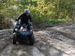 Scheur door de modder met een quad en daag elkaar uit! http://goo.gl/oqIJq