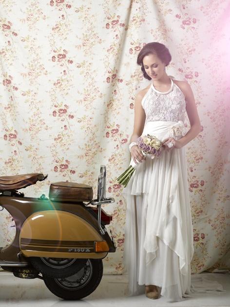 Gown by Joss Bridal Wear. Wedding Inspirations magazine Spring 2011 (September) www.weddinginspir...