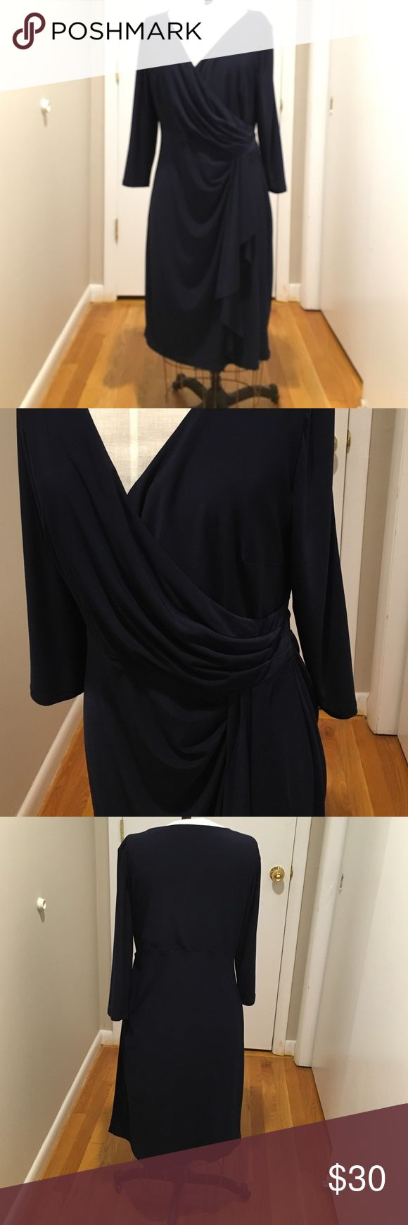 Dark navy blue Jersey Ralph Lauren dress💋 No damages. Gather at waist for perfect look. 💋 Lauren Ralph Lauren Dresses Long Sleeve