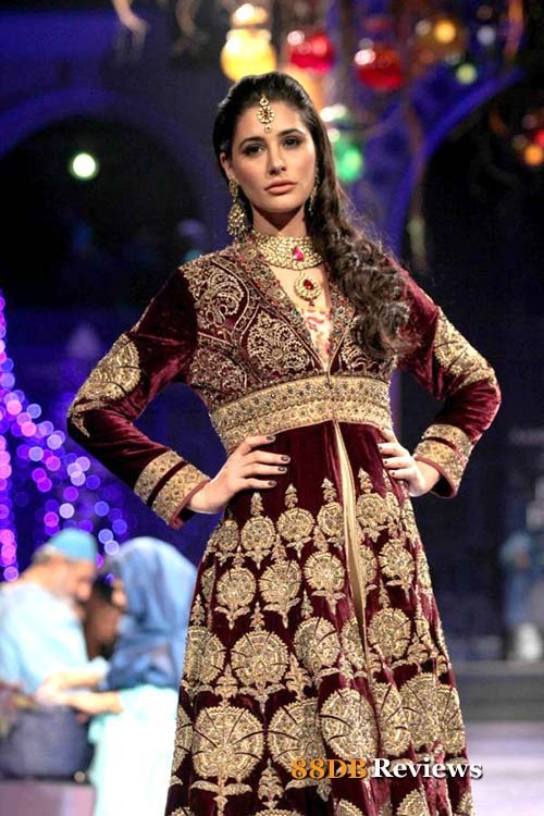 The grand finale of the third edition of Aamby Valley India Bridal Fashion Week 2012 was a star studded affair with celebs from Bollywood and top designers from the fashion industry turning out in huge numbers.