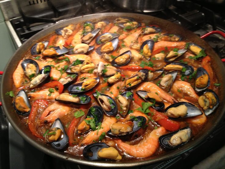 Recept Paella Mixta met Gamba's, Mosselen, Inktvis en Kip - Powered by @ultimaterecipe