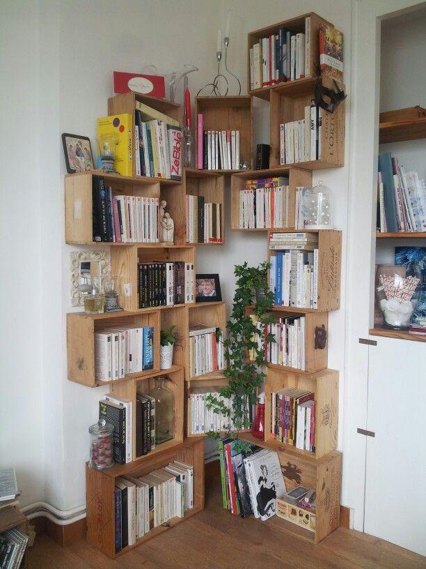 Bibliothèque en caisse de vin pour notre salon