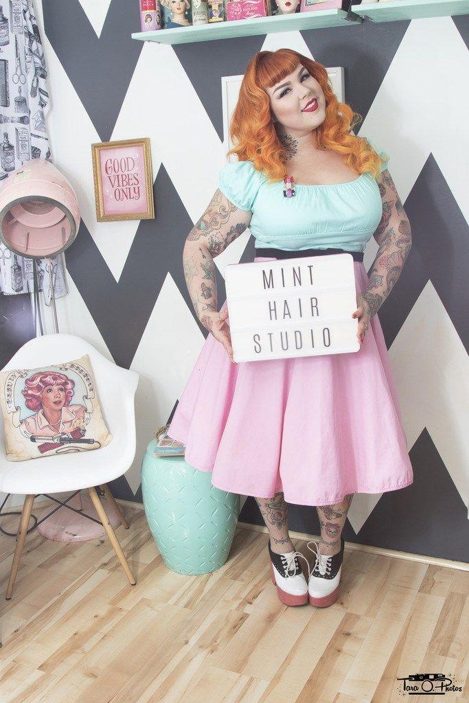 TARAOPHOTOS.COM // Model & MUAH: Lauren // Shot at Mint Hair Studio // tara o, tara o photos, pinup, pin up, retro, vintage, rockabilly, pinup pose, pinup pose idea, retro pinup photo shoot, retro pinup photoshoot, pinup makeup, pinup hair, pinup hair style, pinup hair ideas, retro hair, vintage hair, retro makeup, vintage makeup, mint hair studio, mint hair, pinup salon, retro salon,
