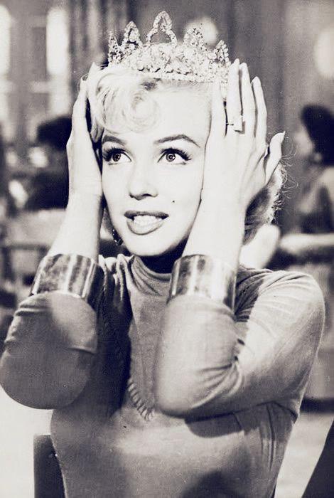 """Marilyn Monroe in """"Gentlemen Prefer Blondes"""", 1953.You do wear on you do wear it on your head"""