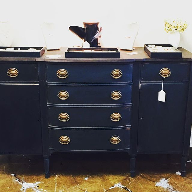 Beckley Coal makes me smile! This old Duncan Phyfe Sideboard was brought back to life with @cececaldwellspaints Beckley Coal (bottom) and Texas Tea top. #beckleycoal #texastea #cececaldwellspaints