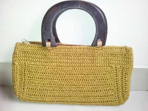 Crochet purse made by Leesa Shah