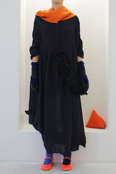 LOVE all black with a burst of color - will NOT say POP of color - SO SICK OF THAT EXPRESSION!!!!!!!!!!