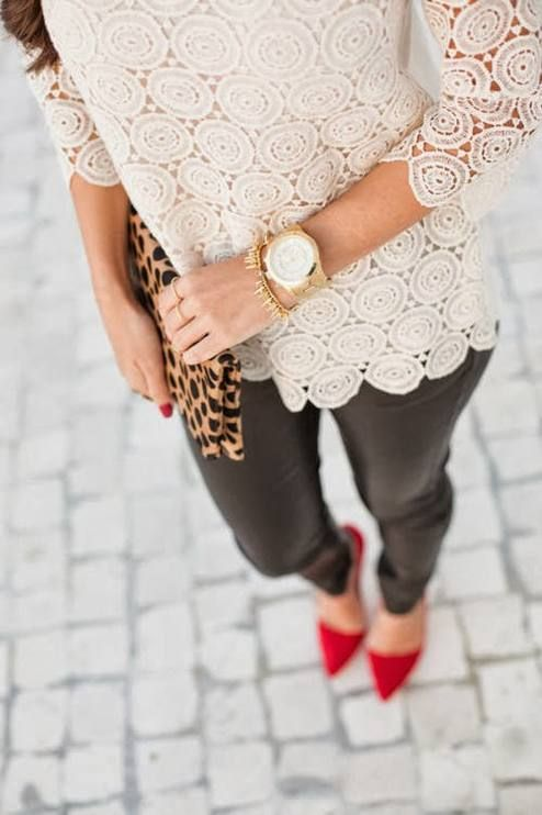 Dont like pointy shoes but everything else about this outfit I love!