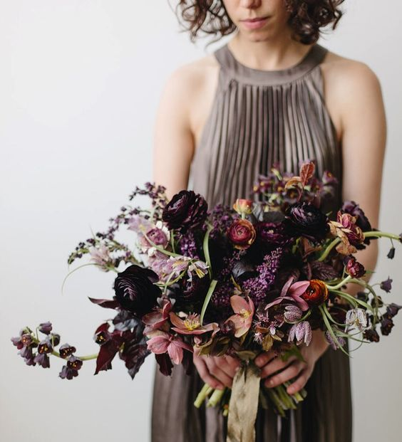 Love this style of bouquet, less perfectly together, more wild