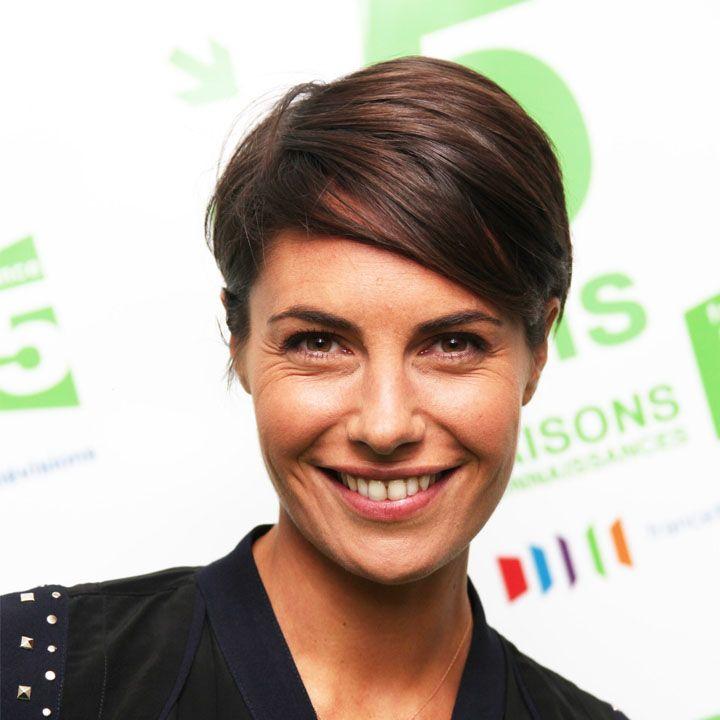 Alessandra Sublet, sa rétro coupe de cheveux ! - Alessandra Sublet à la rentrée de C à vous en 2010 : court toujours !