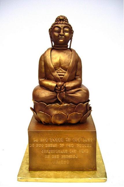 Gold Buddha Cake Www Tablescapesbydesign Com Https Www