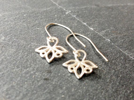 Minimalist Earrings Sterling Silver Trillium by AliraTreasures