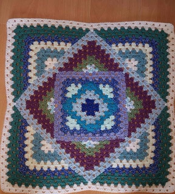 Free Crochet Tutorial Smart and helpful tutorial let you make this awesome blanket quite fast. To get more inspiration and free patterns join us >>>