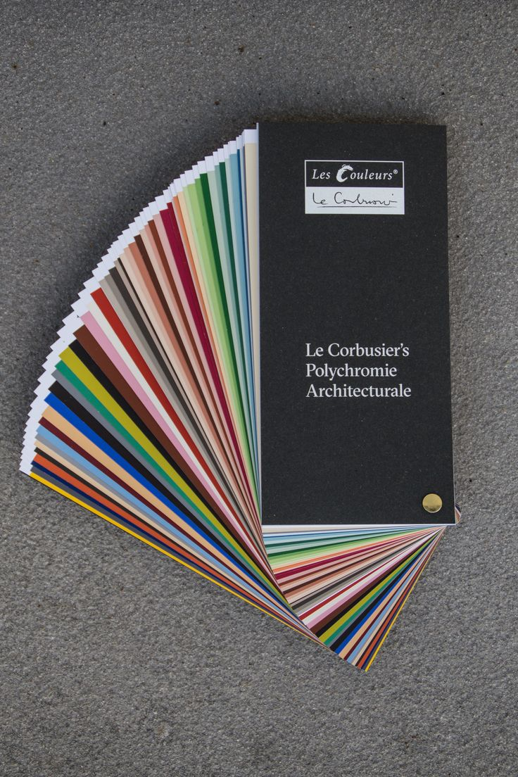 The handy Les Couleurs® Le Corbusier sample fan contains each of the 63 Le Corbusier colours on individual sample cards. For practical use in everyday life, the sample fan is packed in a sturdy slip lid box.