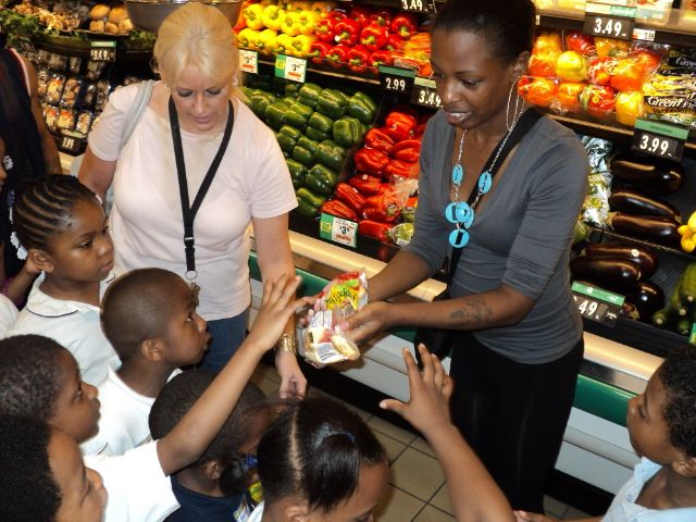 The Kid Healthy Ideas Field Trip takes place at local GIANT, Giant Food Store and Stop & Shop locations.