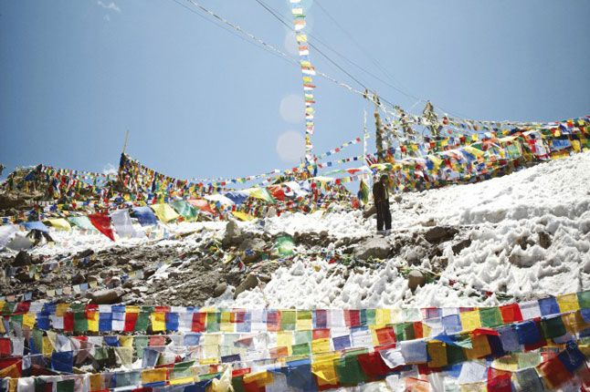 High spirits in the Himalayas, Photo 1 of 10 (Condé Nast Traveller)