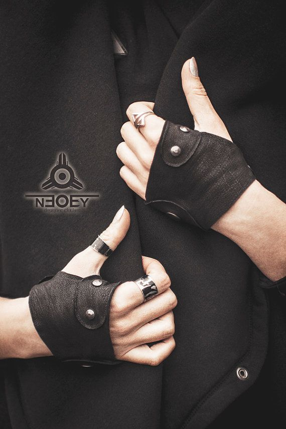 Apocalyptic Short black leather gloves mittens Shima by от NEOBYdc Black Friday. Черная Пятница