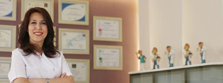 Diş Hekimi Reyhan ARIKAN 21 yıldır Kuyubaşı'nda, Marmara Üniversitesi Göztepe Yerleşkesi yanında Ağız ve Diş Sağlığı alanında hizmet vermektedir.