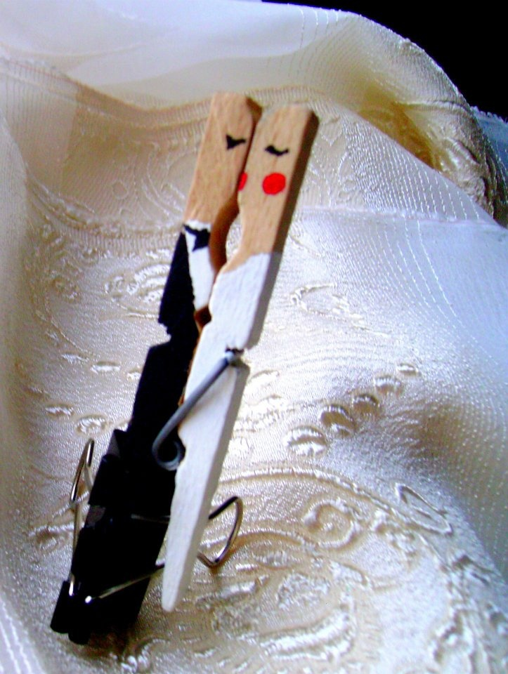 clothes pin wedding figurines