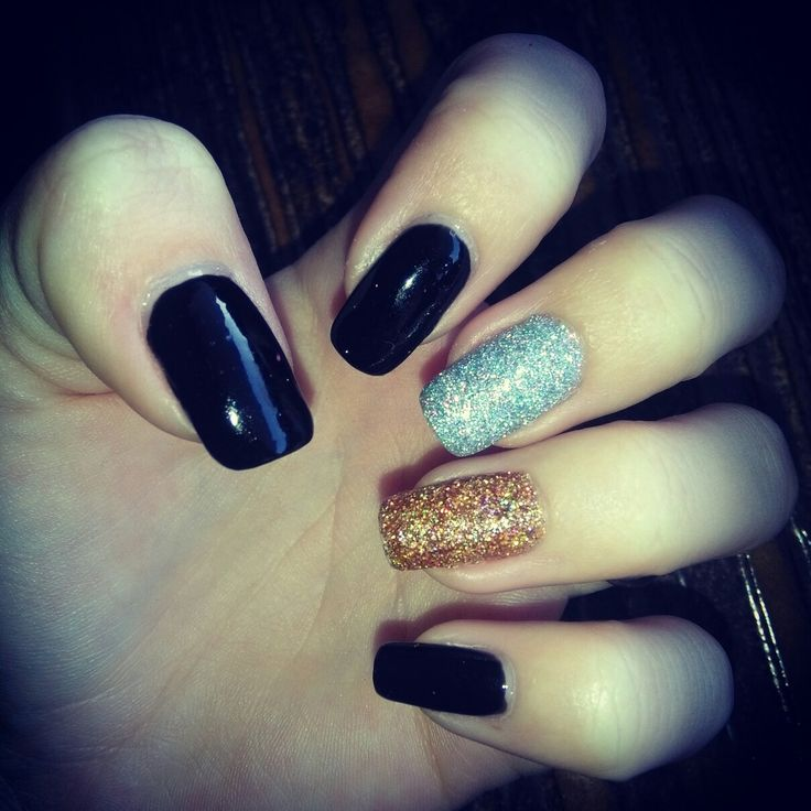 black and holographic glitter nails