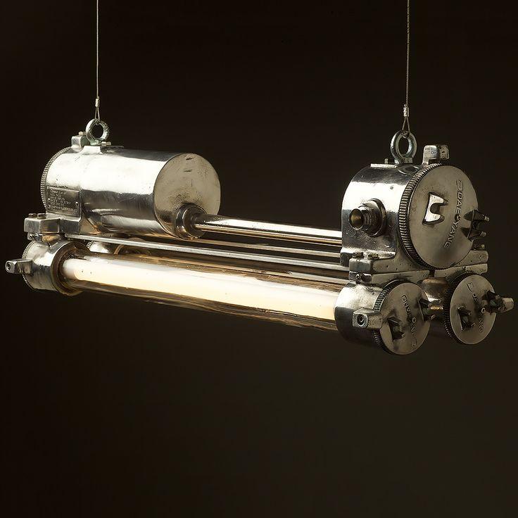 flame-proof-cast-aluminium-vintage-flouro-tube-light-no-reflector-side