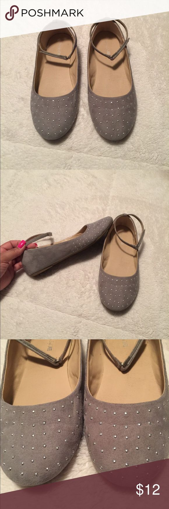 American Eagle By Payless Grey flats with tiny studs. Velcro loop tie around ankle. Size 5 kids. Wore only once. American Eagle By Payless Shoes Dress Shoes
