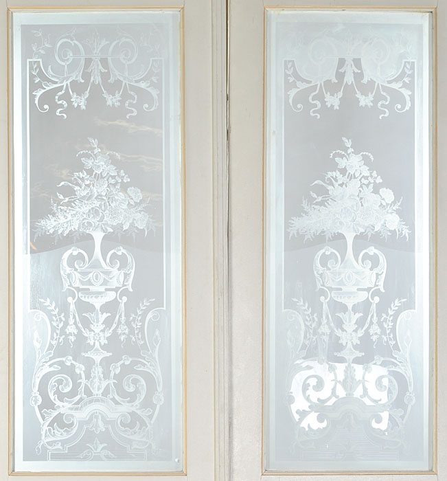 Love the etching on these doors