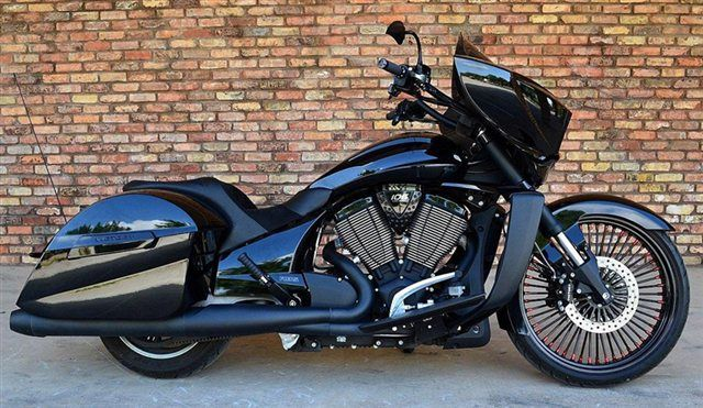 2012 VICTORY CROSS COUNTRY (CUSTOMIZED)
