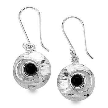 Tianguis Jackson Silver and Onyx Drop Earrings http://www.qualitysilver.co.uk/Jewellery/Tianguis-Jackson-Silver-and-Stone-Set-Earrings.html