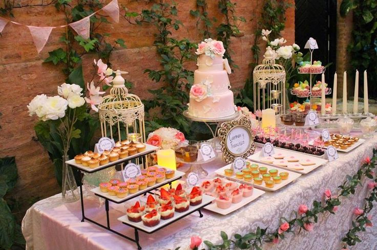 Candy bar in sweet pink...