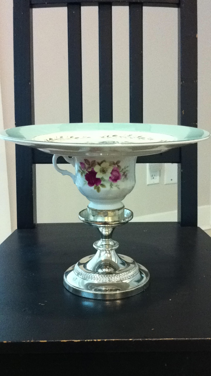 How To Make A D Cake Stand Up