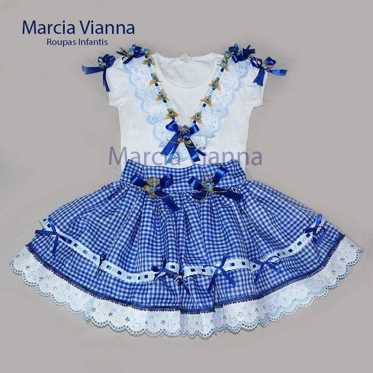 Caipira junina azul infantil.  Cor e estampa podem variar.  Saia e blusa. Saia ajustável. Vai com arco ou maria chiquinha.  Feito sob encomenda.